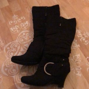 Naughty Monkey 8.5 black boots with buckle